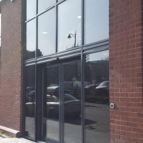 Automatic door entrance